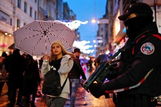 Thổ Nhĩ Kỳ đón năm mới trong nỗi đau. Ảnh: AP