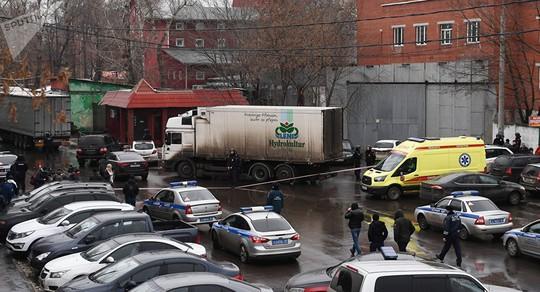 Nổ súng giết người, bắt con tin ở Moscow - Ảnh 2.
