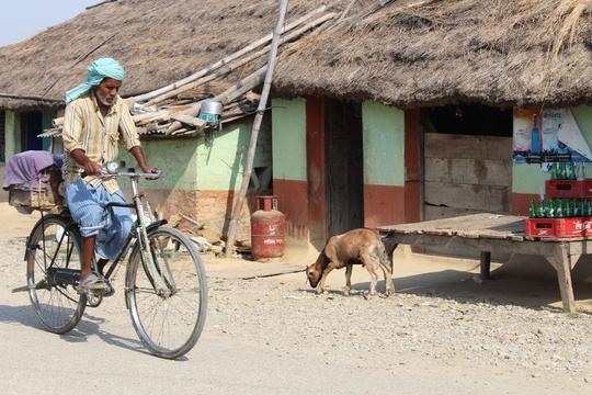 Đi chân đất ở Lumbini - Ảnh 11.