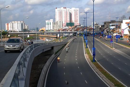 TP HCM định huy động trong dân 20.000 tỉ đồng phát triển giao thông - Ảnh 1.