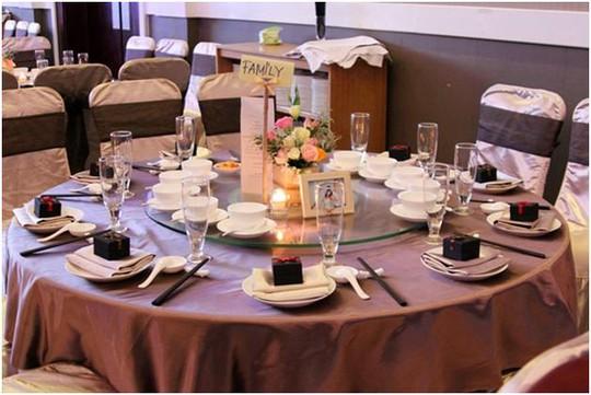 Chạy sô ăn cỗ thuê mùa cưới - nghề lạ kiếm tiền khủng - Ảnh 1.