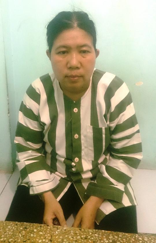 Phan Thị Kim Anh tại cơ quan công an