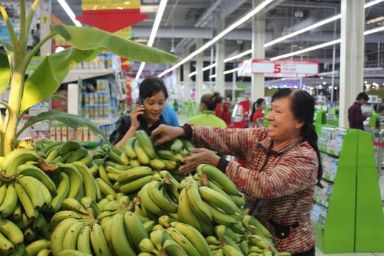Để giúp đỡ nông dân Đồng Nai hệ thống siêu thị Big C đã thu mua với giá 5.900 đồng/kg và bán không lãi.