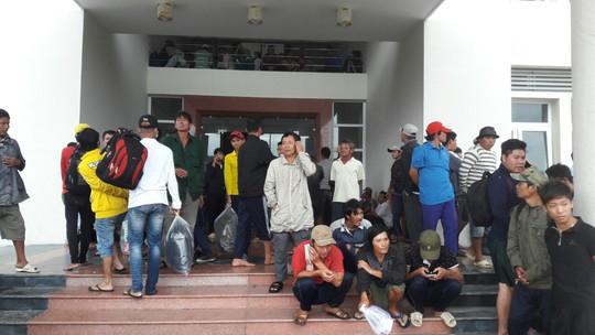Gió mạnh dần, Côn Đảo đón 1.000 người tránh bão số 16 (Tembin) - Ảnh 2.