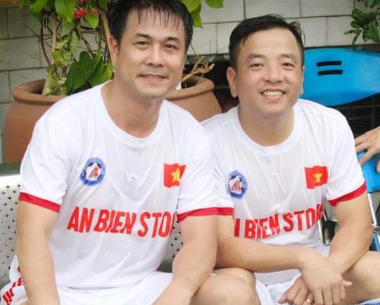 Bầu Tâm trong một lần đá giao hữu với sự tham dự của HLV trưởng đội tuyển Việt Nam Nguyễn Hữu Thắng Ảnh: MINH NGỌC