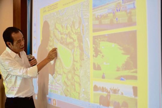Lãnh đạo Công ty Thiên Mã - Madagui giới thiệu quy mô của CLB Saigon Racing