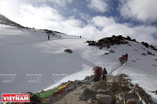Hành trình chiêm bái ngọn núi thiêng Kailash ở Tây Tạng - Ảnh 13.