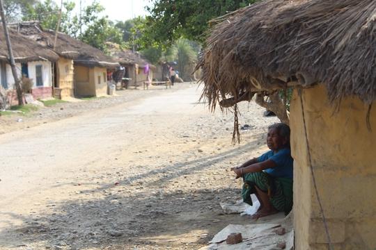 Đi chân đất ở Lumbini - Ảnh 13.