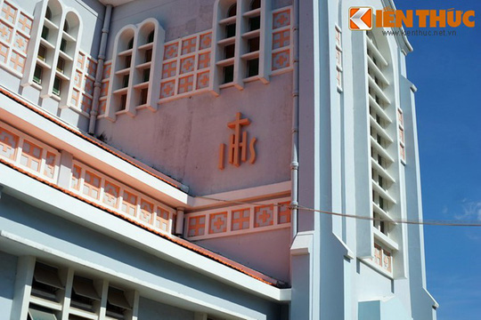 Khám phá nhà thờ Nhọn nổi tiếng ở Quy Nhơn - Ảnh 11.
