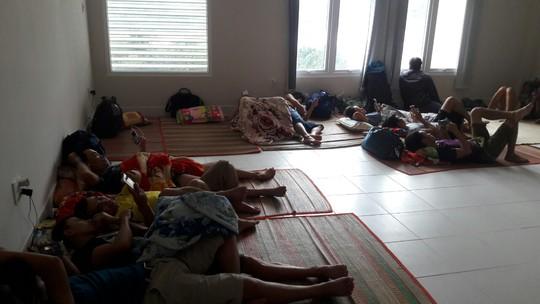 Gió mạnh dần, Côn Đảo đón 1.000 người tránh bão số 16 (Tembin) - Ảnh 3.