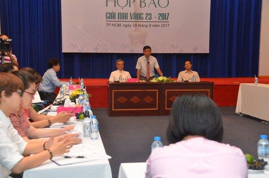 Ông Trần Đoàn Trung - Phó Chủ tịch LĐLĐ TP HCM, Phụ trách Báo Người Lao Động - phát biểu tại buổi họp báo công bố kế hoạch tổ chức Giải Mai Vàng lần thứ 23Ảnh: TẤN THẠNH