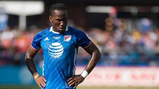 Drogba chơi cho đội các ngôi sao MLS trong trận giao hữu với Arsenal tháng 7-2016