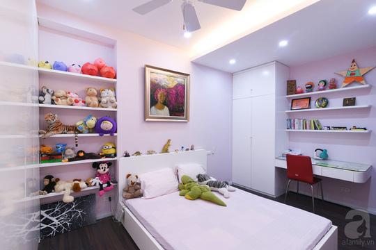Phòng ngủ với gam màu hồng pastel xinh xắn.