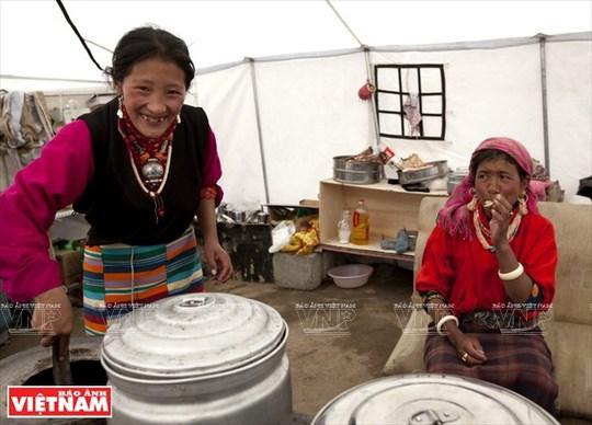 Hành trình chiêm bái ngọn núi thiêng Kailash ở Tây Tạng - Ảnh 14.
