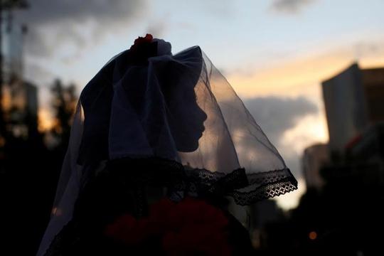 """Kinh dị """"bộ xương"""" diễu hành trong lễ hội người chết ở Mexico - Ảnh 14."""