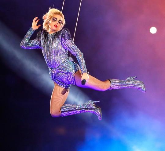 Lady Gaga sẽ làm nổ tung sân khấu lễ trao giải Grammy 59 Ảnh: BILLBOARD