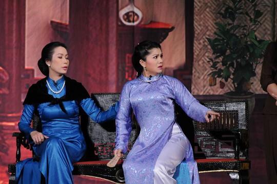 """Cảnh trong vở """"Chàng và thiếp"""" trên sân khấu Trịnh Kim Chi"""
