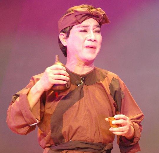 """Vai Trần Minh trong """"Bên cầu dệt lụa"""""""