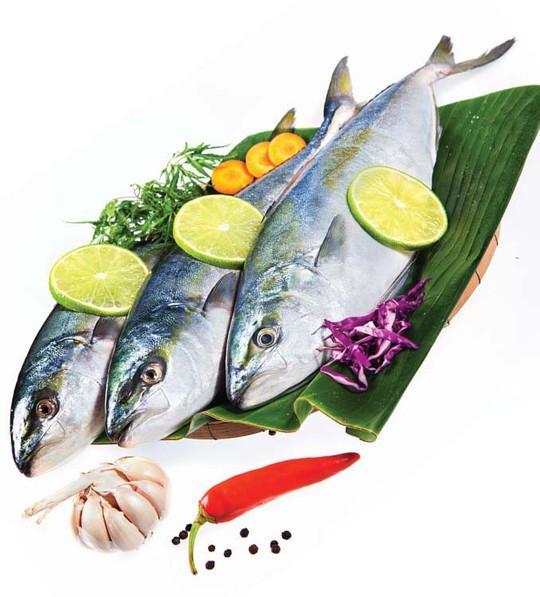Dẻo thơm cá cam cuốn sushi - Ảnh 2.