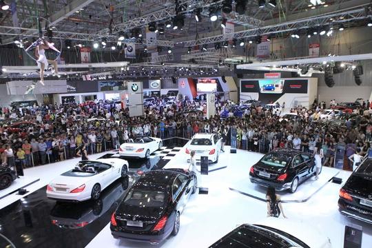 Năm 2016, thị trường ô tô Việt Nam tăng trưởng 24% so với năm 2015, đạt hơn 304.000 xe bán ra