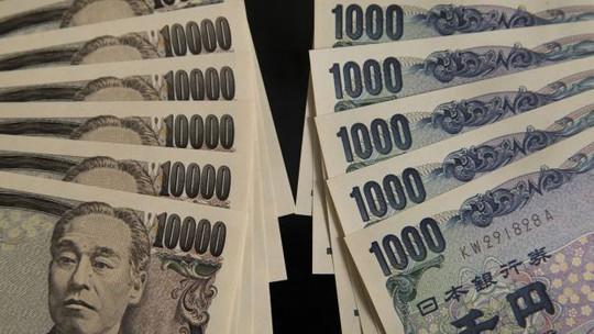 Năm 2016, người dân đã giao 42 triệu USD tiền mặt nhặt được cho cảnh sát Tokyo. Ảnh: Bloomberg