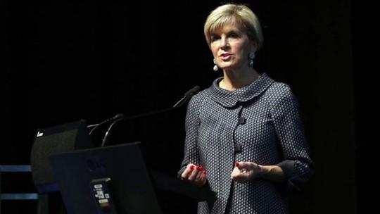 Bộ trưởng Ngoại giao Úc Julie Bishop phát biểu khai mạc hội nghị Kimberley Process hôm 1-5. Ảnh: SMH
