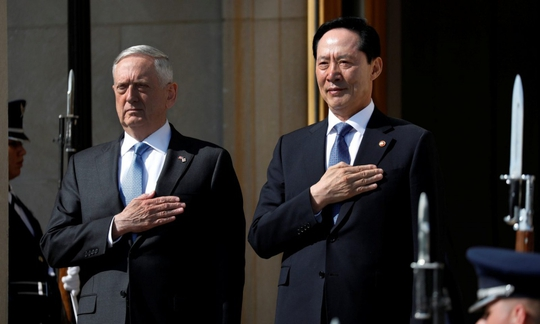 Triều Tiên tập trận lạ lùng hiếm thấy - Ảnh 1.