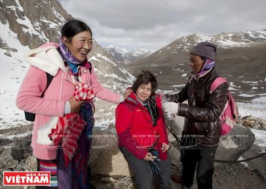 Hành trình chiêm bái ngọn núi thiêng Kailash ở Tây Tạng - Ảnh 16.