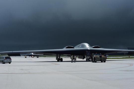 Mỹ bác tin đặt oanh tạc cơ hạt nhân trong tình trạng báo động - Ảnh 2.