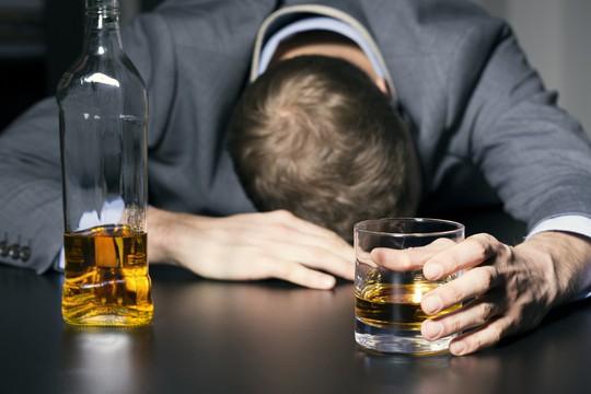 Rượu là thủ phạm gây ra 7 loại ung thư - Ảnh 1.