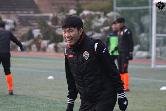 Xuân Trường sẽ phải vắng mặt ở 2 trận đấu đầu tiên của K-League Classic vì chấn thương dây chằng cổ chân