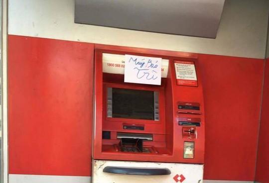 Thống đốc yêu cầu chấn chỉnh việc hàng loạt máy ATM hết tiền dịp Tất