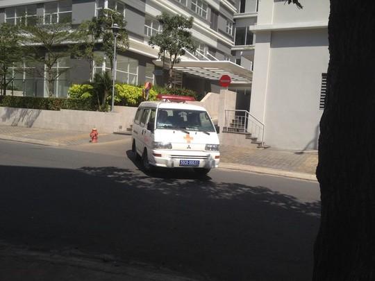 Đến chiều cùng ngày thi thể nạn nhân được chuyển về nhà xác bệnh viện phục vụ điều tra