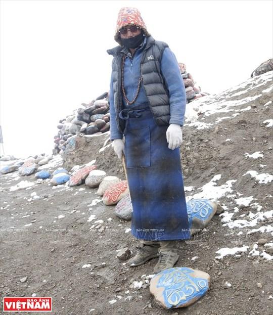 Hành trình chiêm bái ngọn núi thiêng Kailash ở Tây Tạng - Ảnh 17.