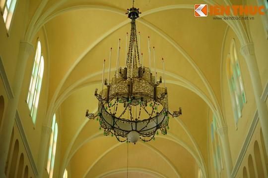Khám phá nhà thờ Nhọn nổi tiếng ở Quy Nhơn - Ảnh 14.