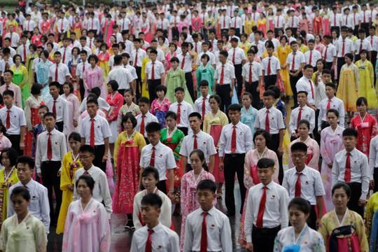Bất chấp nguy cơ chiến tranh, dân Triều Tiên vẫn vui chơi - Ảnh 7.