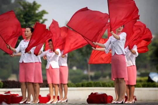 Bất chấp nguy cơ chiến tranh, dân Triều Tiên vẫn vui chơi - Ảnh 8.
