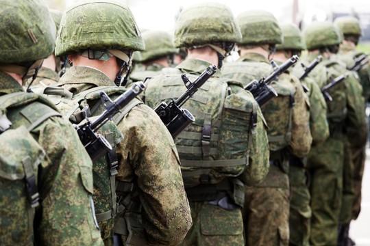Đưa gái mại dâm phục vụ lính: Vợ quân nhân Úc bức xúc - Ảnh 1.