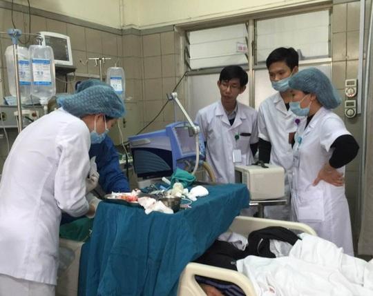 2 tuần qua, tại Bệnh viện Bạch Mai đã có hơn 20 bệnh nhân ngộ độc rượu methanol phải cấp cứu