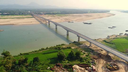 Cầu Giao Thủy nhìn từ trên cao Ảnh: Huỳnh Quốc Huy