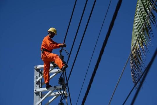 Nắng nóng kỷ lục, tiêu thụ điện cao nhất lịch sử - Ảnh 1.