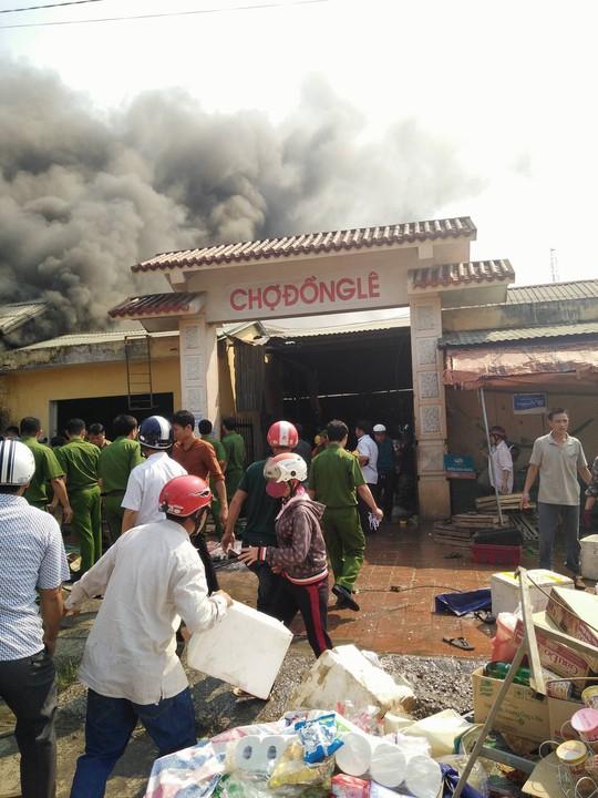 Hiện trường vụ cháy tại chợ Đồng Lê