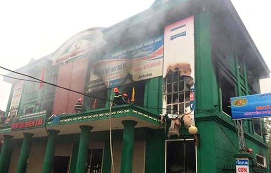 Siêu thị miền Tây (huyện Ngọc Lặc, tỉnh Thanh Hóa), nơi bà hỏa viếng thăm lúc sáng sớm 12-4