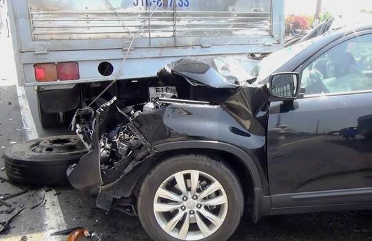 Chiếc ô tô 7 chỗ hư hỏng nặng