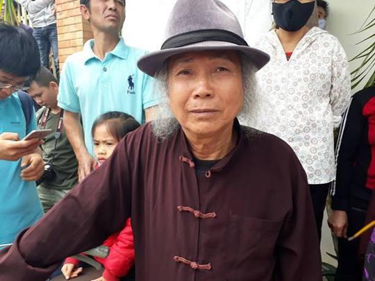 Ông Lê Văn Thỏa trao đổi với báo chí sau cuộc đối thoại với Chủ tịch UBND TP Nguyễn Đức Chung