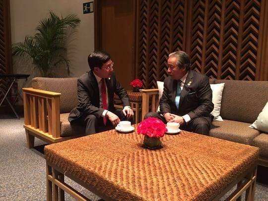 Phó Thủ tướng, Bộ trưởng Ngoại giao Phạm Bình Minh gặp song phương với Bộ trưởng Ngoại giao Malaysia Anifa Aman