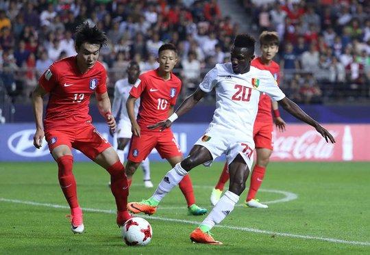 """Đại thắng, U20 Hàn Quốc dẫn đầu bảng """"tử thần"""""""