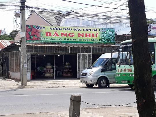 Chủ lò mứt đánh khách nhập viện ở Đà Lạt bị phạt hành chính - Ảnh 1.