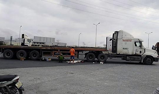 Xe cotainer gây tai nạn thảm khốc, 4 người trong 1 gia đình thương vong - Ảnh 2.