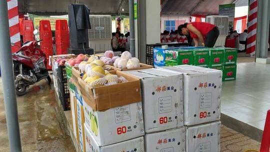 Chợ đầu mối nông sản lớn nhất Đồng Nai đi vào hoạt động - Ảnh 3.